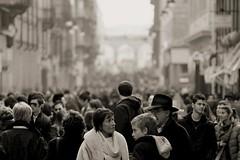 Fiumi di gente (Emmanuele Contini) Tags: torino ramblas vialagrange contnibb fiumidigente