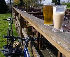 26, 29, Beer, Latte (Clive Andrews) Tags: beer coffee garden pub drink bikes drinks latte mountainbiking mountainbikes crw1626 cliveandrews