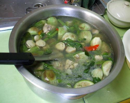 מרק ירקות איסאני, מוכן להגשה