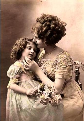 фото старые мамы домогаются дочек