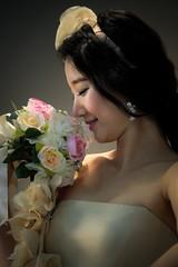 Ladylike (DSLR_MANIA) Tags: flower lady eos model korea smell seoul southkorea 2009 ladylike motorshow fakeflower kintex bouget ef200mmf28liiusm canonef200mmf28liiusm eos1dmark3 canon1dmark3 dslrmania canon1deos1d