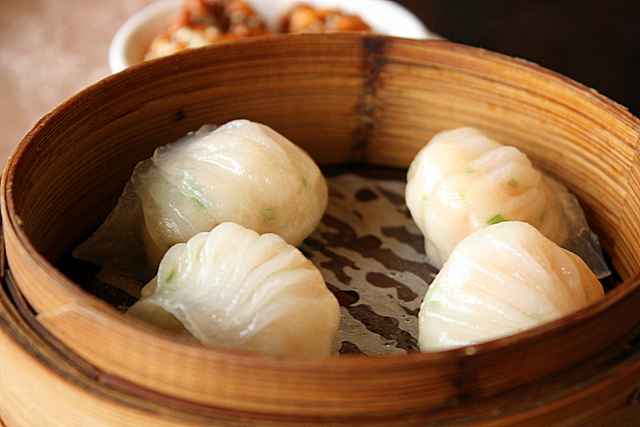 Steamed shrimp dumplings (S$4.80 for 3 pieces)