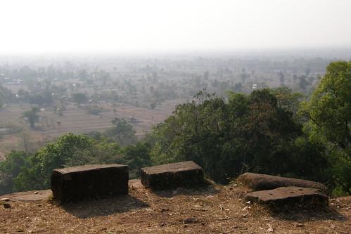 043.從主殿俯瞰Champasak平原 (1)