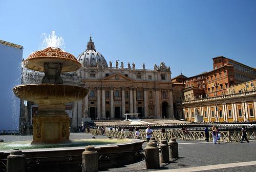 Bernini's fountain in Piazza San Pietro