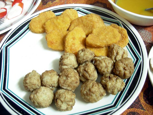 Chicken nuggets and meatballs