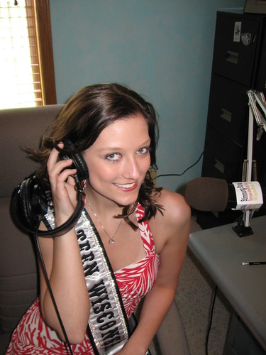 Britta Thostrup, Miss Teen Wisconsin Galaxy 2009, was nice enough to visit ...