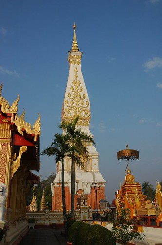 Main prang, Wat That Phanom