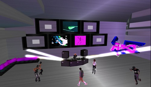 CLUB AT UNDERGROUND ARTIST
