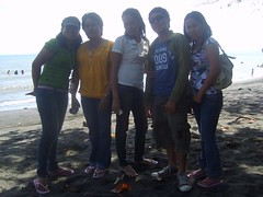 at d BEach...wd my OfiSmate... (jundee_gabica777) Tags: its real med gabz