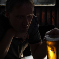 fmm-march-9922-w (pw-pix) Tags: beer paul march australia victoria richmond upstairs pot lostinthought cornerhotel amberglow lookoflove beautywithin vermininc flickrmelbournemeet
