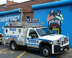 P043s NYPD Emergency Service Squad 3 Truck, Parkchester, Bronx, New York City (jag9889) Tags: county city nyc blue rescue house 3 ny newyork building adam ford ess car station architecture truck automobile bronx police nypd company transportation vehicle service borough squad emergency 2008 department lawenforcement finest 43 precinct unit f550 parkchester esu firstresponders newyorkcitypolicedepartment p043 ebaysold y2008 precinct43 jag9889