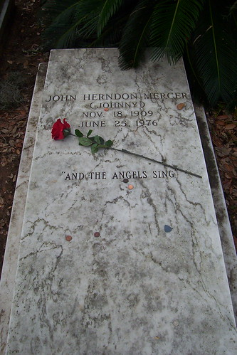Johnny Mercer grave at Bonaventure Cemetery.  Courtesy RobNewm at Flickr.