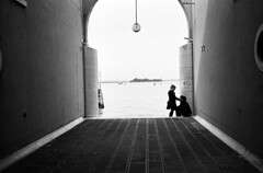 (Street_Clickr) Tags: italia delta olympus xa2 venezia ilford oneweektworollsthreeplaces