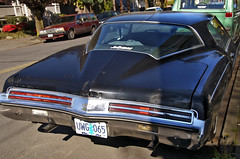 Riviera (Curtis Gregory Perry) Tags: buick riviera boattail boat tail portland oregon black bumper light بورتلاند ولاية أوريغون портланд орегон 俄勒冈州波特兰市 俄勒岡州波特蘭市 πόρτλαντ όρεγκον પોર્ટલેન્ડ ઓરેગોન פורטלנד אורגון पोर्टलैंड オレゴン州ポートランド 포틀랜드 오레곤 پورتلند اورگان போர்ட்லேண்ட் ஒரேகான் ออริกอนพอร์ตแลนด์ پورٹلینڈ اوریگون פּאָרטלאַנד אָרעגאָן automóvil coche carro vehículo مركبة veículo fahrzeug automobil