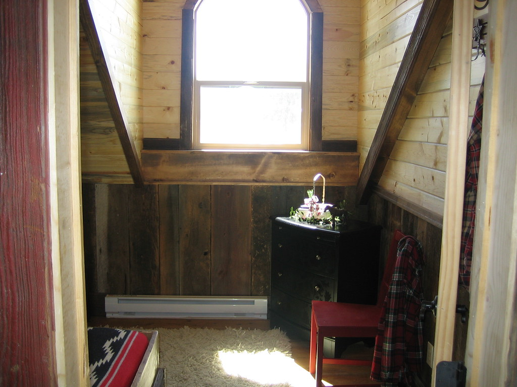 Guest House Kids Room Entry