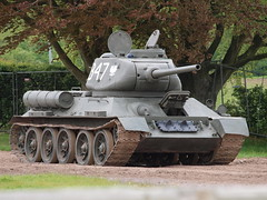 T34/85 (Megashorts) Tags: uk army war tank military wwii olympus armor soviet dorset ww2 vehicle e3 fighting russian armour 85 armored zuiko 2009 tankmuseum armoured t34 allied zd 1454mm bovingtontankmuseum t3485 bovingtonmuseum