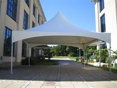 Tenda lobby parkir