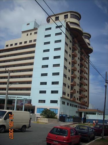 Edificio Sierra Maestra by Eurosca