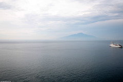 IT07 0871 Monte Vesuvio e Golfo di Napoli (Templar1307) Tags: travel italy volcano coast europe italia campania eu mountvesuvius sorrento bayofnaples amalfi 2007 golfodinapoli gulfofnaples montevesuvio