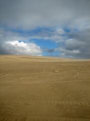 """Closing In"" (Bojorchess) Tags: blue sky nature desert dune australia tasmania desierto duna bojorchess"