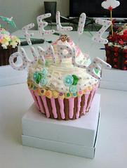 cupcake gigante (lul cupcakes) Tags: cute fox kawaii lul felizcumple minitorta lulucupcakes cupcakegigante