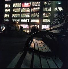 img830 (joelluber) Tags: 120 tlr film mediumformat square parkbench expired unionsquare newyorkny twinlensreflex 800iso kodakportra800 minoltaautocordmxs
