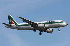 I-BIKF Airbus A.320-214 Alitalia (pslg05896) Tags: heathrow airbus lhr alitalia a320 egll ibikf