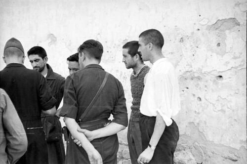 Soldados y guardias civiles evadidos del Alcázar de Toledo. Fondo del Estudio Fotográfico Alfonso. Archivo General de la Administración. Ministerio de Cultura