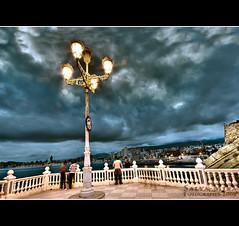 Vista nocturna del mirador del castell (Salva Mira) Tags: castle lamp farola nightshot nocturna mirador benidorm castell fanal salvamira