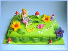 Torta Elfo / Elf cake (Fantasticakes (Ccile)) Tags: fairy birthdaycake fe fairycake sugarflowers noveltycake tortasdecoradas girlcake tortedecorate