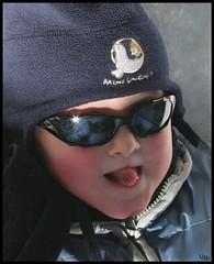 Mini Ungava (-VéRo-) Tags: boy sunglasses kid grimace enfant lunette garçon