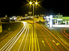 Rotonda de Luces / Roundabout Lighting (sordojr) Tags: road lighting light urban espaa building art cars luz car night sunrise canon buildings landscape faro lights luces noche is spain edificios highway farola exposure niceshot open power arte shot carretera edificio roundabout rotonda paisaje powershot badajoz coche autopista shutter abierto urbano farolas paranoia pilot coches exposicion larga foco extremadura faros relampago fous piloto focos obturador sx100 aplusphoto pacense stormlong sx100is nostrobistinfo sordojr flickrlovers paranoiart paranoiadelarte paranoiarte