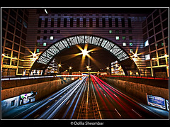 Traffic Light (DolliaSH) Tags: light holland dutch photoshop canon eos nightshot tripod thenetherlands trails wideangle denhaag ultrawide thehague efs 1022mm hdr 1022 nn cs4 photomatix 50d tonemapping tonemap canon50d dollia dollias sheombar