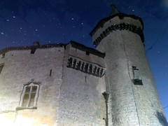 Le château naviguant (chupacabra.art) Tags: reflet château montesquieu labrède lgku800 brunovitasse chupacabraart