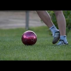 Vejle vs. La Bisbal d'Empord (ouyea...) Tags: ball denmark football kid legs nio vejle ftbol dinamarca pelota piernas cames labisbaldempord lumixdmcl1varioelmarr4575200mm