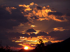 tramonto da trinchetto 2 (tommy_flickr) Tags: sunset italy sun primavera colors clouds wonderful italian italia tramonto colours photographer catchycolours scream riflessi 2009 5700 nikon5700 amateurs levanto blueribbonwinner abigfave aplusphoto amateurshighfive wonderfulworldmix italianflickrworld screamofthephotographer