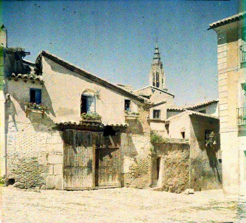 Vista de la torre de la Catedral de Toledo desde Santa Isabel. Autocromo tomado hacia 1913
