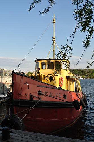 Falke, moored on the waters of Lake Mälaren in Stockholm -- Full-sized Nikon D5000 photo -- DSC_2875