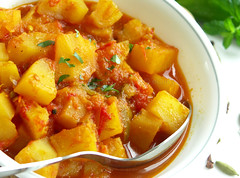 Indian Curry: Potato in Simple Curry Sauce