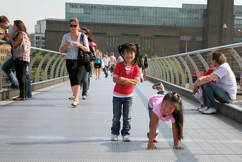 Maddy and Gwen on Millenium Bridge.jpg