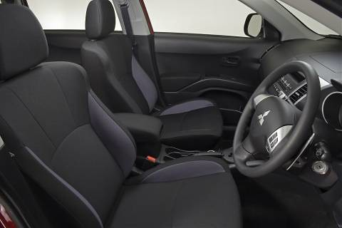 Mitsubishi Outlander Front Seats Interior Photo