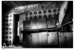 The Hunted kitchen (A.al-Muzaini) Tags: amazing scary nikon shoot top horror terror fav kuwait 1855mm nikkor soe hdr الإمارات q8 abdullah d60 عبدالله عرب الخليج photomatix العرب كويت قطر فلكر فلم كويتي abigfave رعب توب ربع دينار المزيني almuzaini