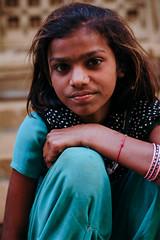 (chris scott.tv) Tags: poverty street india black colour green eyes deep dots pushkar rajasthan chrisscott chrisscotttv