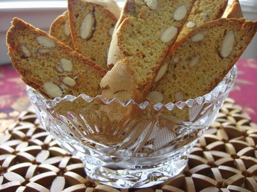 Апельсиновые бискотти с миндалем