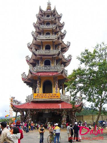 Chùa Tha'p 7 tung` by you.