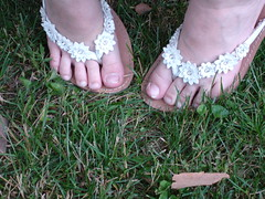 Tomboy Toes (wyldanthem) Tags: flowers feet grass outdoors toes sandals delaware ilovegreen littlegirlsfeet flickrfriendlychallengesentry