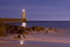 Phare d'Audierne (www.nicolasfernandezphoto.com - Nicolas Fernandez) Tags: longexposure lighthouse bretagne exposition plage phare atlantique ocan longue audierne flickrestrellas