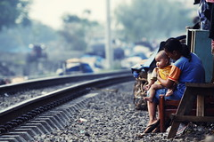 (Luqman Marzuki) Tags: street urban train canon eos tracks jakarta 70200mm senen 50d mantosz