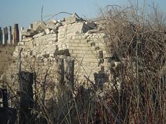 ruins (Ruin Raider) Tags: old brick abandoned minnesota concrete ruins wwii ruin ulands umorepark gopherordinanceworks
