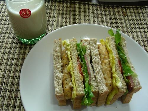 檸檬雞柳總匯三明治